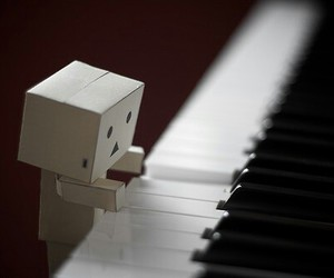 piano and danbo image