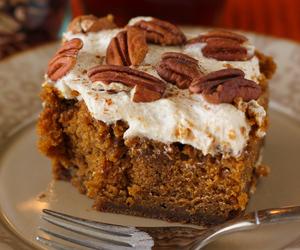 cake and pumpkin image