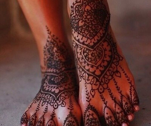 henna, tattoo, and feet image