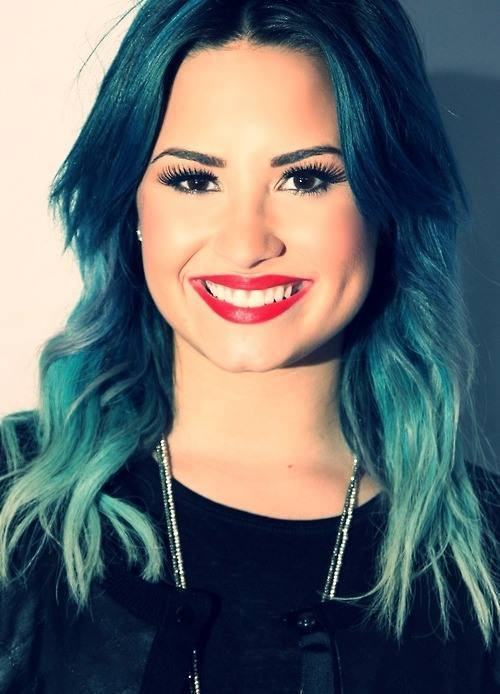 15 images about ☆Demi Lovato ♡♥♡Blue hair ☆ on We Heart It ...