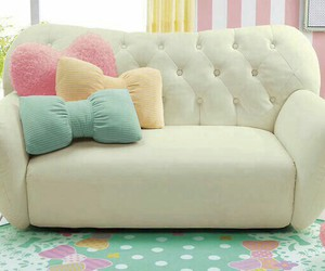 couch, decoracion, and pillows image