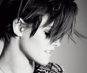 kristen stewart and black and white image