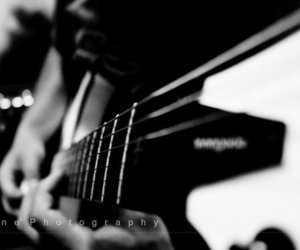 black and white, bokeh, and guitar image