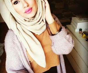 beauty, youtuber, and hijab hills image