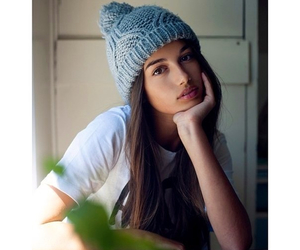 beanie, beauty, and brunette image
