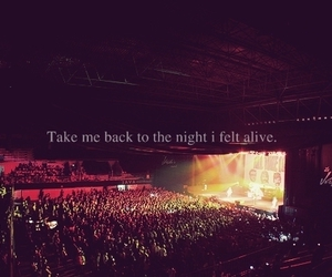 concert, alive, and all time low image