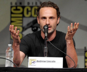 comic con, amc, and the walking dead image