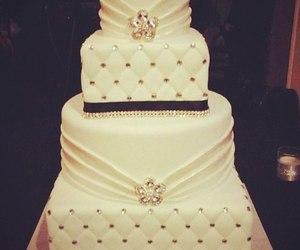 wedding cake and wedding image