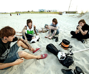 bring me the horizon, bmth, and beach image