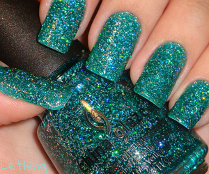 nails, glitter, and green image