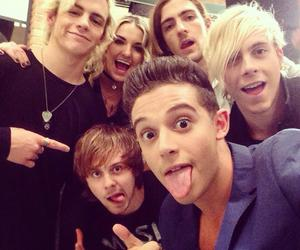 r5, ross lynch, and violetta image