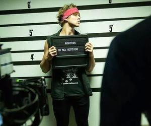 5sos, ashton irwin, and good girls image