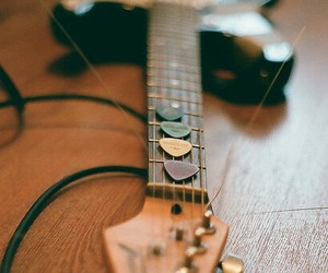 guitar, music, and grunge image