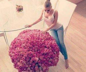 dziewczyna róże ;3 image