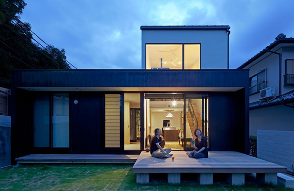 Architecture Perfect Japanese Home Design With Glass Sliding Door And Flat Roof Design Ideas For Family Home Living At Night View Japanese Home Design Idea And Its Examples