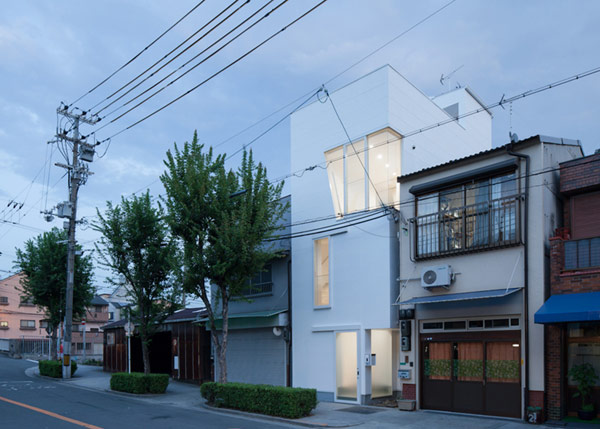 Architecture Wonderful View Japanese Home Design With Minimalist Exterior Design Finished On White Color Design Ideas Inspiration Home Japanese Home Design Idea And Its Examples