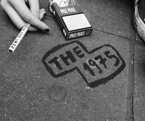 grunge, the 1975, and band image