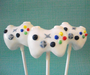 xbox and cake pops image