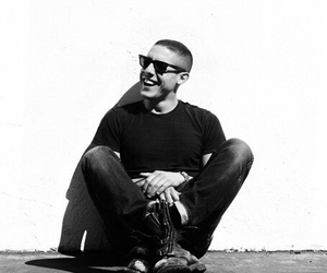 theo rossi, soa, and juice image