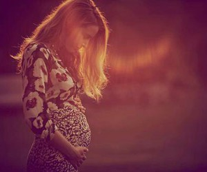 blake lively, pregnant, and baby image