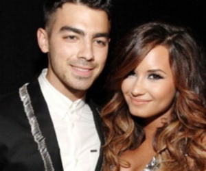ahhh, Joe Jonas, and dd lovato image