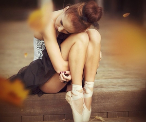autumn, pointe shoes, and ballerina image