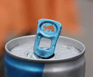 blue and red bull image
