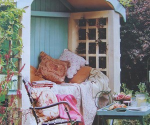 garden and pillow image