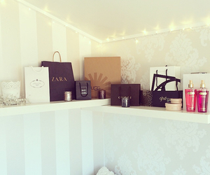 bags, home decor, and lady image