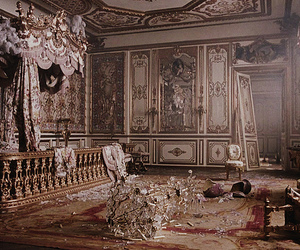 marie antoinette and versailles image