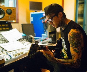 pierce the veil and tony perry image