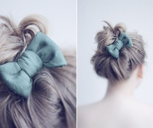 hair and bow image