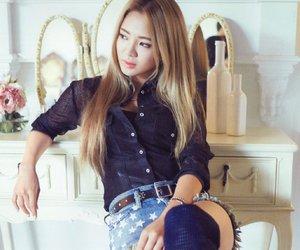 dancing queen, hyoyeon, and 효연 image