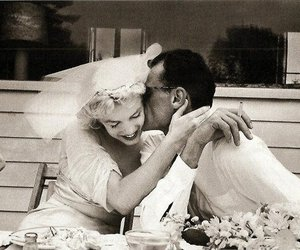 Marilyn Monroe, love, and black and white image