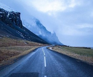 road and mountains image