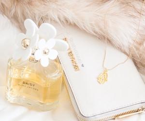 marc jacobs, Michael Kors, and perfume image