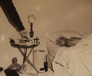 dead and Marilyn Monroe image