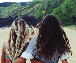 beach, best friends, and chilling image