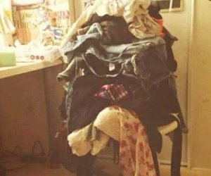 funny, chair, and clothes image