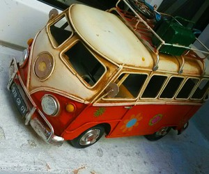 bus and vw image