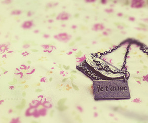 je t'aime, necklace, and flowers image