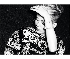 miley cyrus, black and white, and fashion image