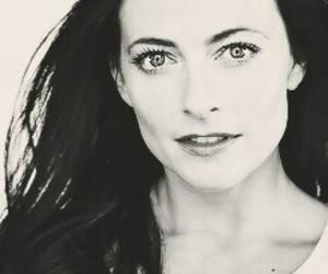 actress, beautiful, and lara pulver image