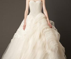 Vera Wang, wedding, and wedding dress image