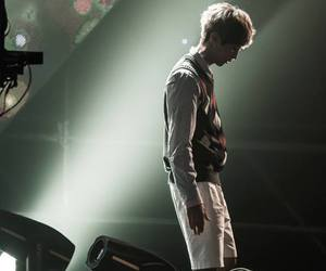 shinwoo, jinyoung, and b1a4 image