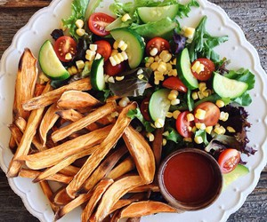 food, chips, and delicious image