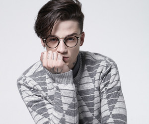 Ash Stymest and model image