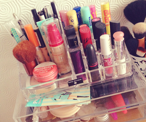 lipstick and style image