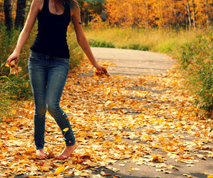girl, autumn, and beautiful image