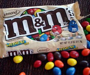 food and m&m image